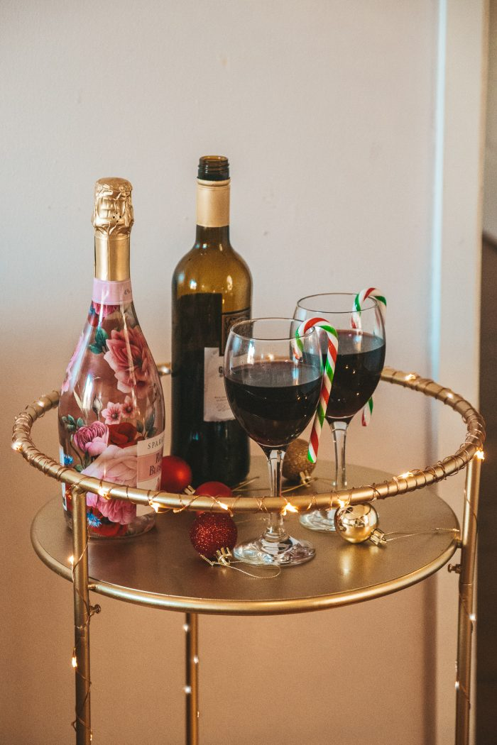 HOSTING CHRISTMAS PARTIES: HOW TO DISPLAY DRINKS